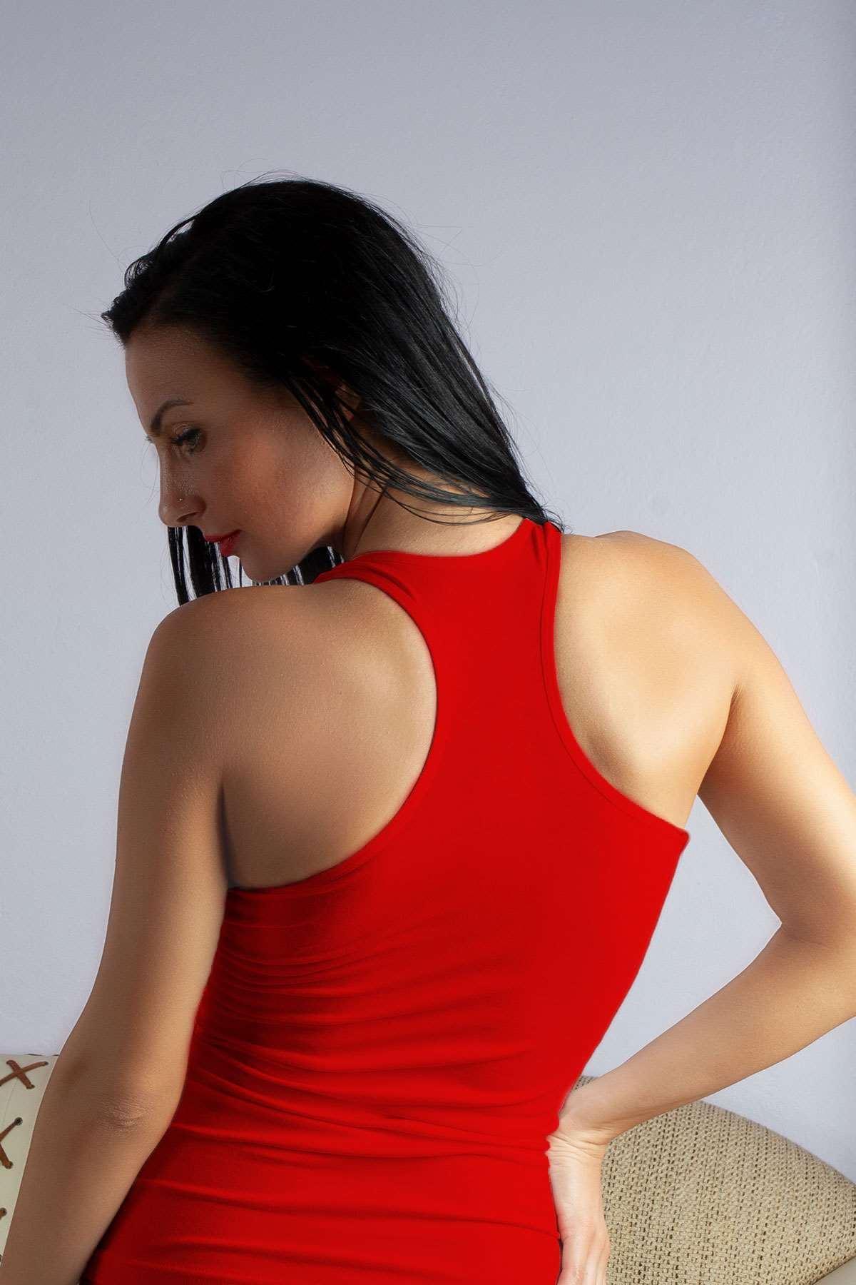 Kadın Sporcu Atlet Kırmızı